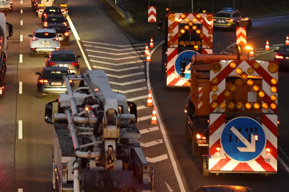 Baustellen und Stau gehören auf Hessens Straßen zum Alltag (Symbolbild).
