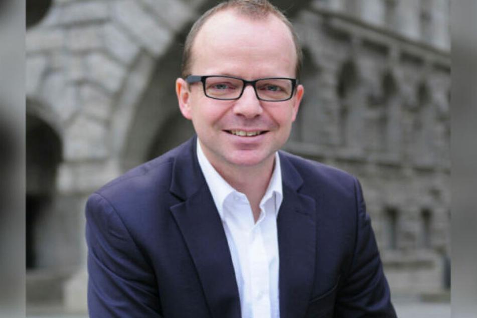 FDP-Stadtrat René Hobusch (41) verurteilt die mutmaßlich von Linksautonomen verübten Anschläge auf die Deutsche Bahn.