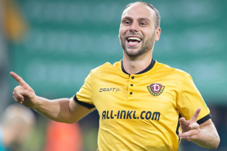 Rico Benatelli tauscht das gelbe Trikot von Dynamo Dresden gegen das braun-weiß vom FC St. Pauli.