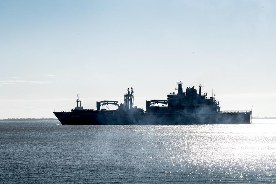 Marineschiff läuft zu Nato-Einsatz in der Ägäis aus