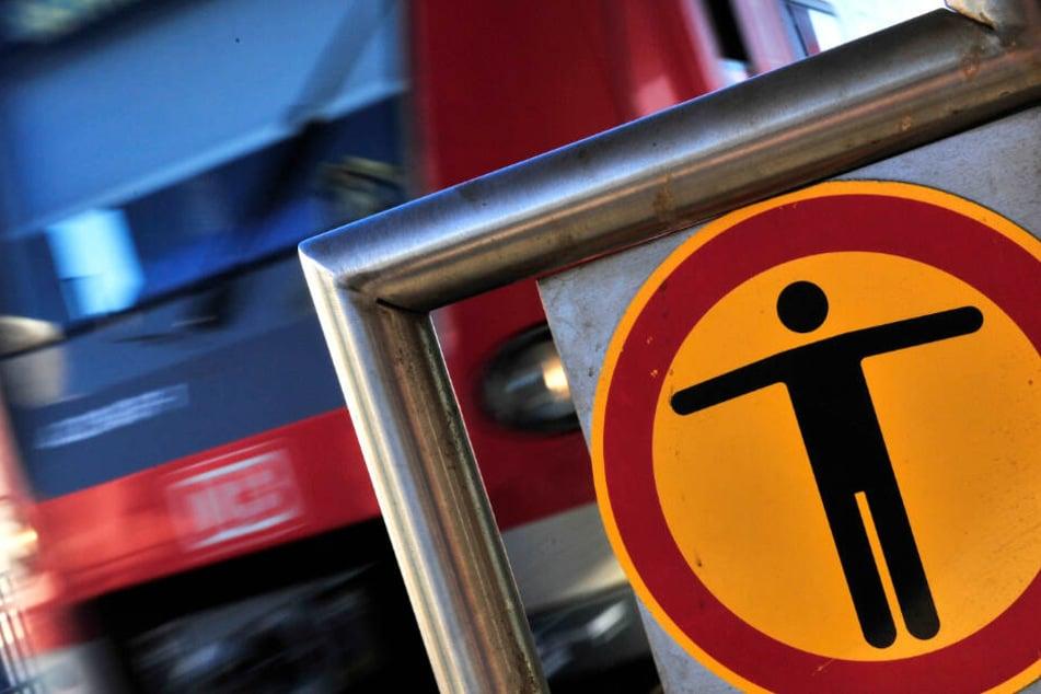 Offenbar kam es im S-Bahn-Tunnel von Frankfurt zu einem Unfall (Symbolbild).