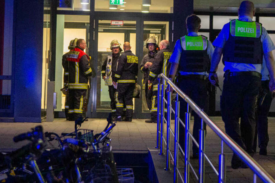 Am späten Dienstagabend mussten sich Polizei und Feuerwehr um einen schießwütigen Mann kümmern.