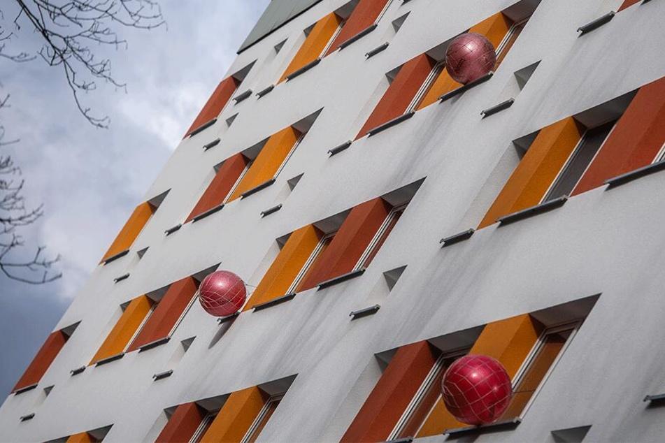 Hier kann man einziehen: Leerstehende Wohnungen wie hier an der Straße Am Stadtpark werden in Chemnitz zum Blickfänger.