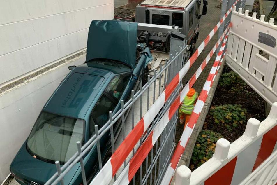 Der Wagen der Seniorin wurde nach dem Zwischenfall abgeschleppt.