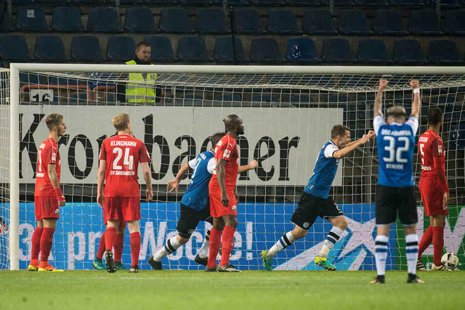 In der 84. Minute kam die Erlösung: Andreas Voglsammer schoss das verdiente 1:0 für den DSC gegen Sandhausen.