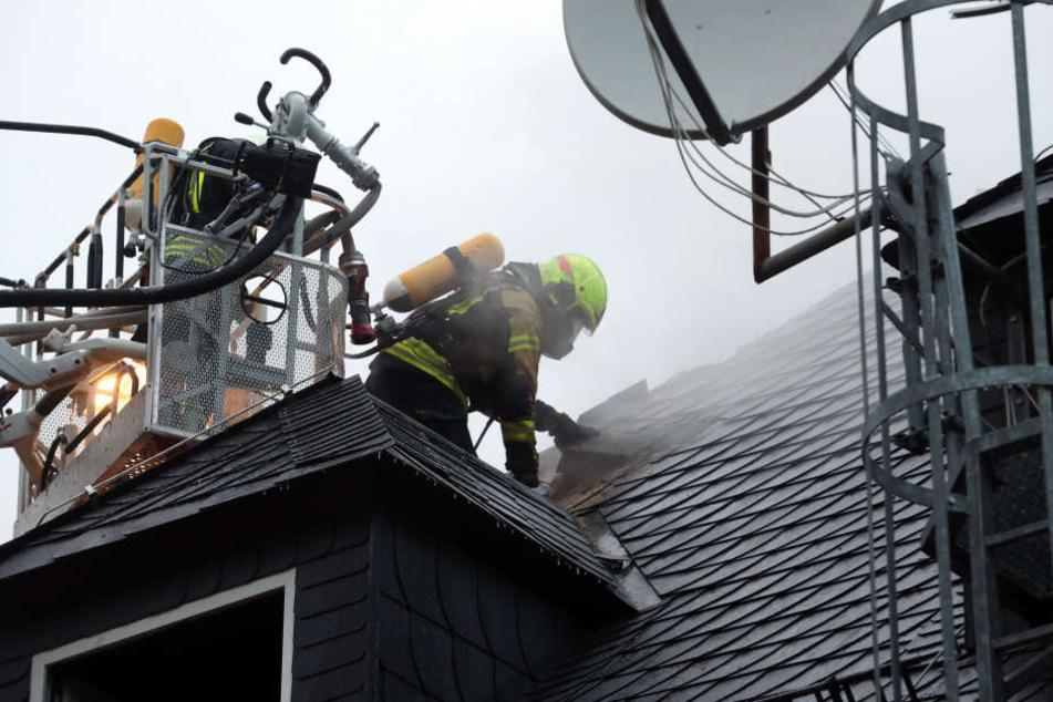 Das Feuer hatte auf den Dachstuhl übergegriffen.