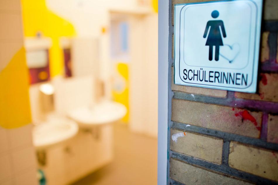Ein Maßnahmen-Katalog soll auf lange Sicht mehr Sauberkeit in Frankfurts Schultoiletten bringen.