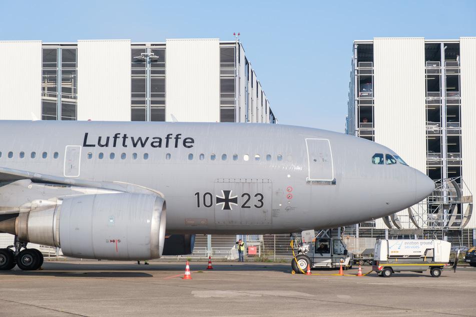 Der Airbus A310 10+23 steht am Flughafen Hannover. Bald findet er im Serengeti-Park Hodenhagen sein neues Zuhause.