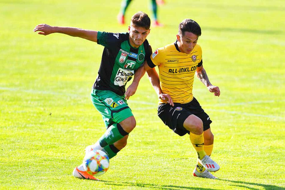 Dynamo-Techniker Baris Atik kann sich hier im Zweikampf nicht durchsetzen.