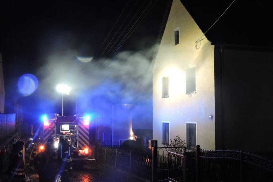 In der Muldenstraße in Grimma fing ein PC Feuer.