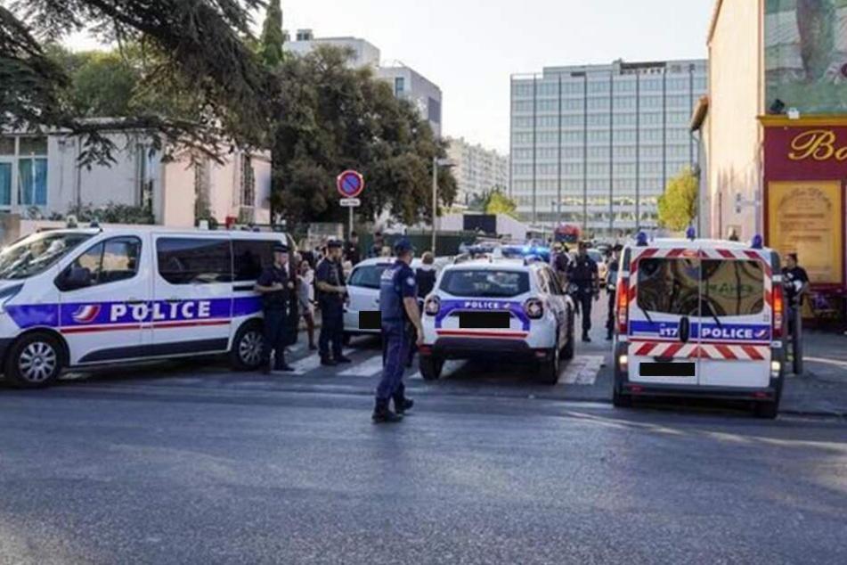 """Rief er """"Allahu akbar""""? 17-Jähriger verletzt Frau mit Messer in Schulkantine"""