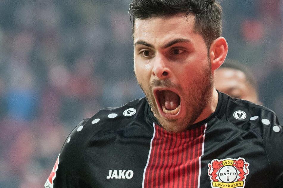 Kevin Volland steht aktuell für Bayer 04 Leverkusen in der Bundesliga auf dem Rasen.