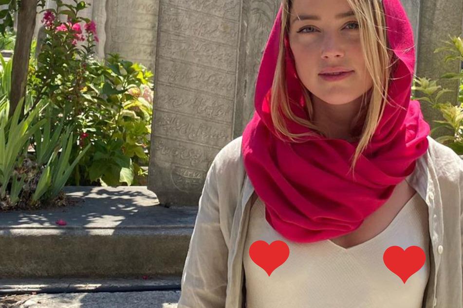 Amber Heard: Nippelblitzer in türkischer Moschee sorgt für heftige Kritik