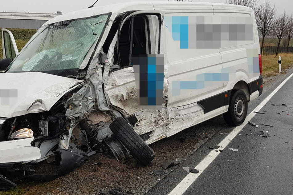 Der Transporter war schwer beschädigt.