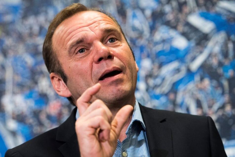 Bernd Hoffmann setzt auf schlaue Transfers.
