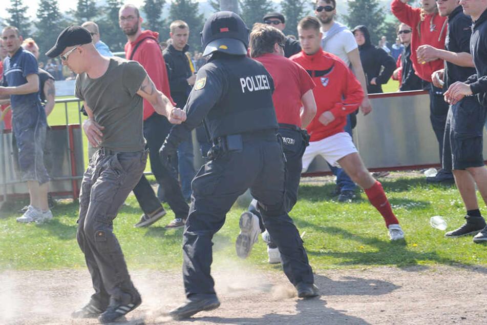 Auch beim Roten Stern Leipzig kam es in den vergangenen Jahren hin und wieder zu Ausschreitungen. Grund genug, dem Verein die Fördermittel zu streichen?