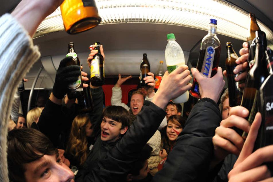 studenten feiern eine obszöne sex party