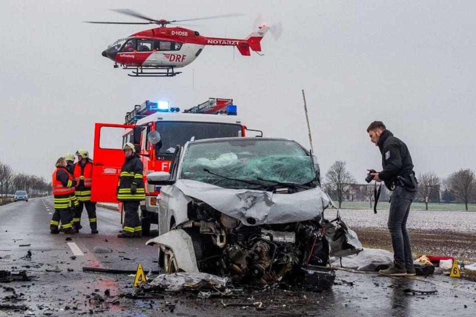 Alle drei Fahrzeuge wurden komplett zerstört.
