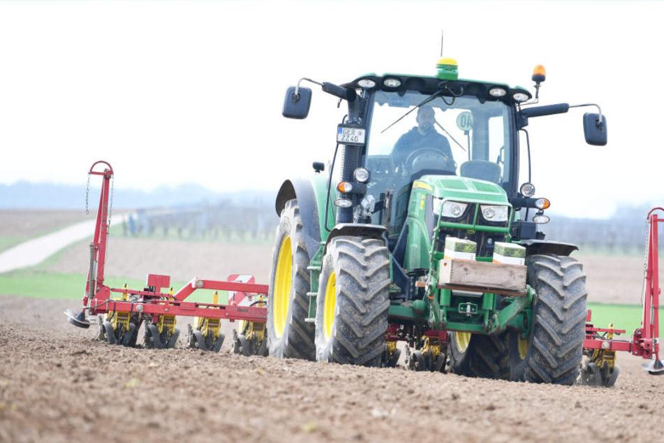 Viele Landwirte sind ab Juli auch von der Lkw-Maut betroffen (Symbolbild).