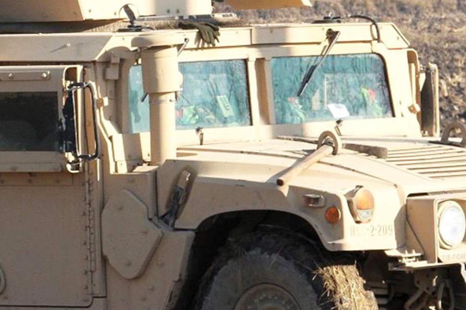Ein Wagen mit Leichen fuhr über eine Bombe, mindestes sechs Menschen wurden getötet. (Symbolbild)