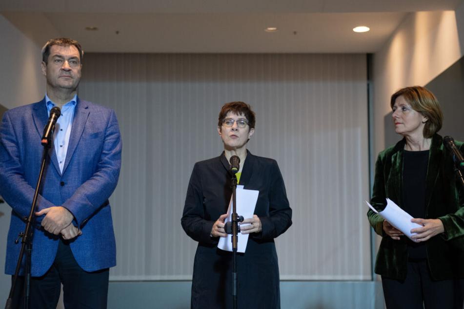 Mitte November haben sich die Vertreter der großen Koalition auf die Grundrente geeinigt (v.l.): Markus Söder (CSU), Annegret Kramp-Karrenbauer (CDU) und Malu Dreyer (SPD).