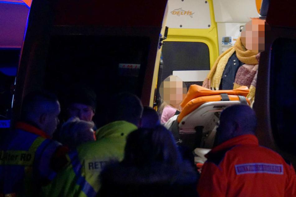 Die Bewohner wurde in Sicherheit gebracht und medizinisch versorgt.