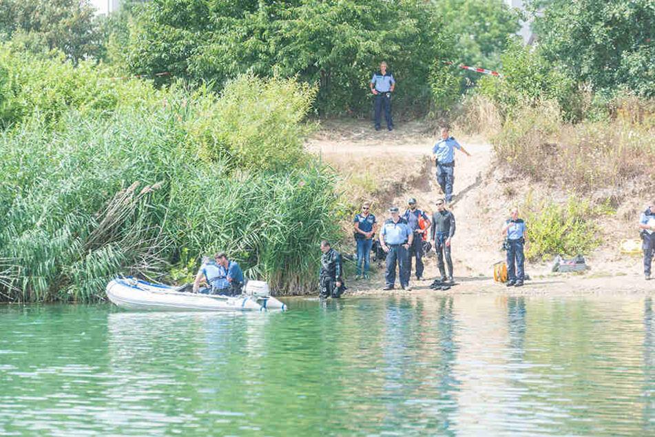 Seit Montagmittag waren Polizeitaucher im Einsatz in der Kiesgrube.