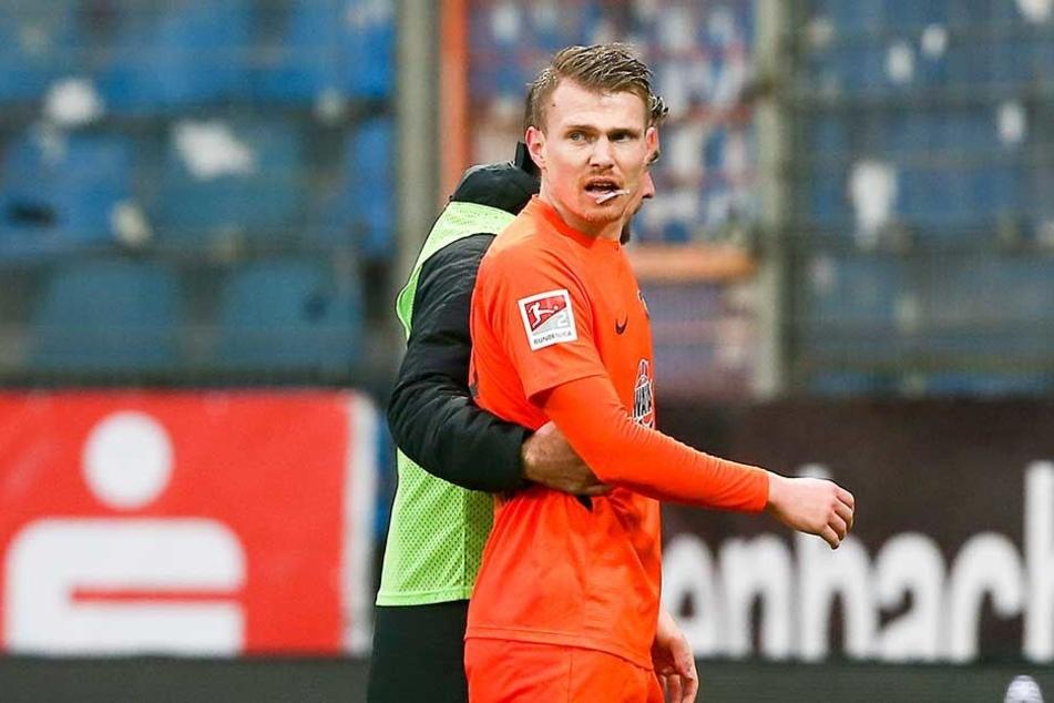 Steve Breitkreuz musste in Bochum nach einem Zusammenprall mit aufgeplatzter Lippe vom Platz. Seither ist er außer Gefecht.