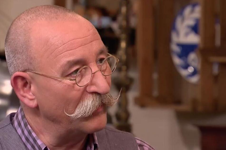 Horst Lichter moderiert Bares für Rares im ZDF.