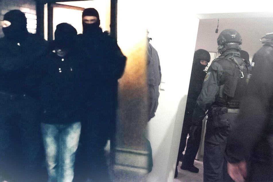 Über 200 Beamte waren bei der Razzia gegen den Schleuserring im Einsatz. Wohnungen in NRW, Berlin und Bremen wurden durchsucht.