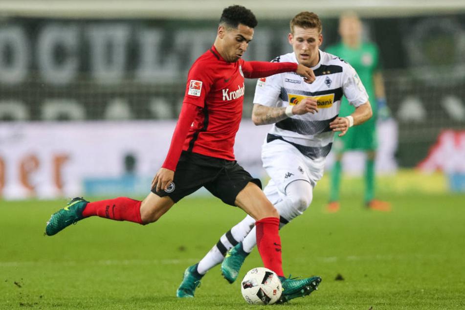 Omar Mascarell (l.) im Einsatz gegen Borussia Mönchengladbach 2016 (Archivbild).