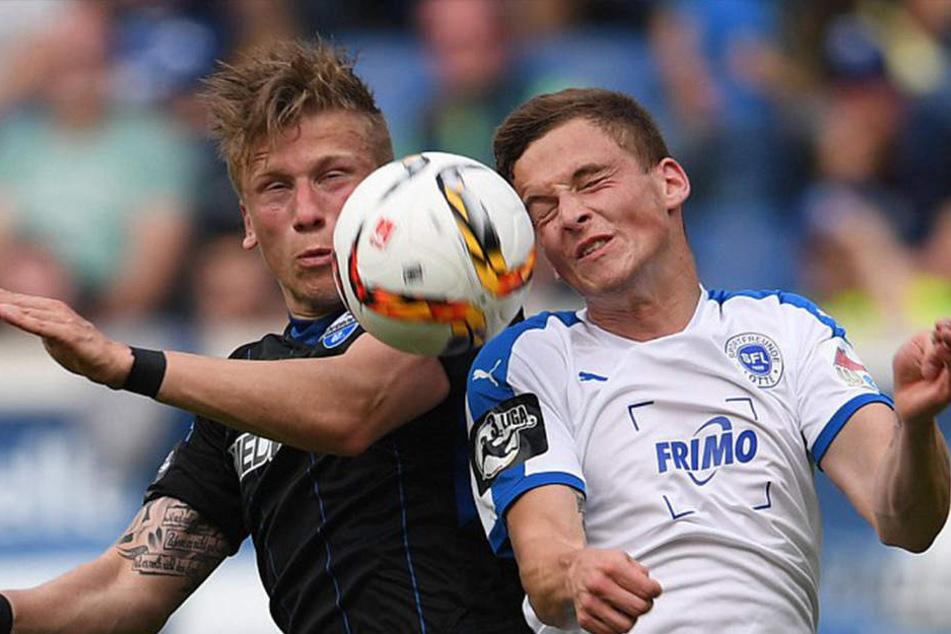 Kampf um den Ball: Der SC Paderborn spielte gegen die Sportfreunde Lotte beim Westfalenpokal.