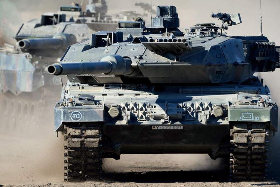 Die Kampfpanzer werden erstmals in Richtung russischer Grenze verlegt.
