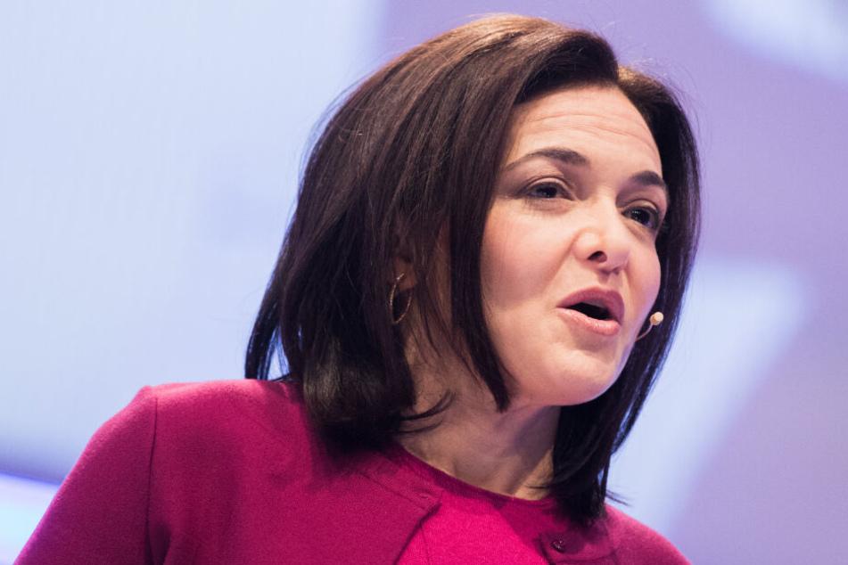 Sheryl Sandberg, Geschäftsführerin von Facebook, spricht auf der Digitalmesse dmexco. (Archivbild)