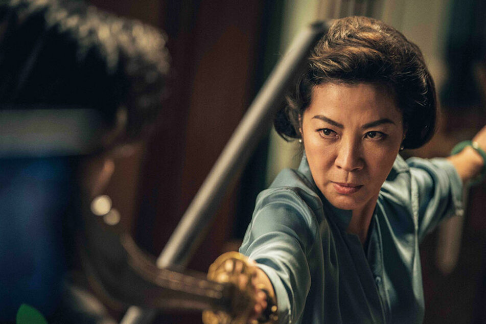 Tso Ngan Kwan (Michelle Yeoh) versucht, den aufkommenden, blutigen Streit zwischen den Triaden und Cheung Tin Chi zu vermeiden.