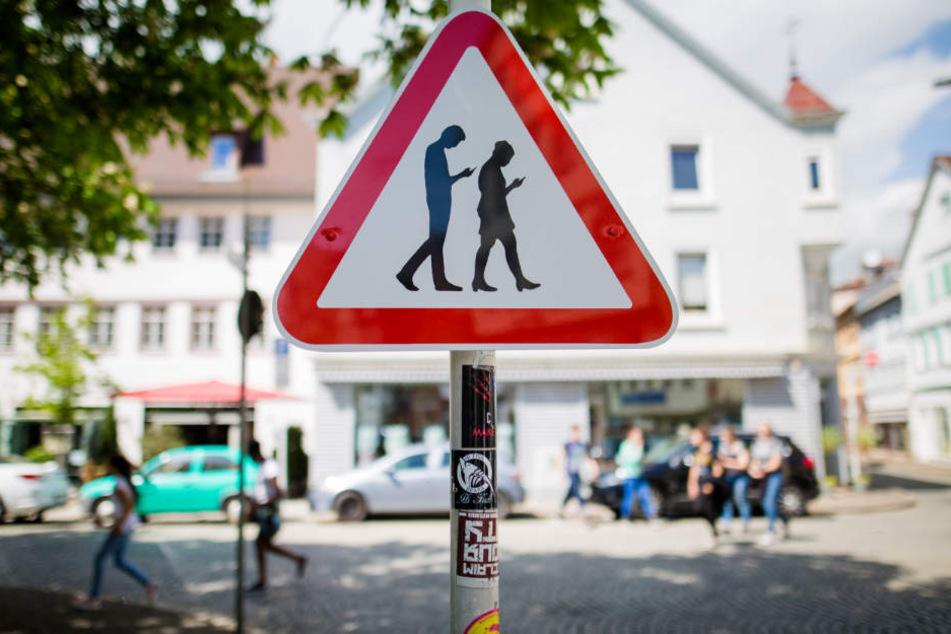 Vor seinem Verschwinden hing das Schild vor dem Friedrich-List-Gymnasium.