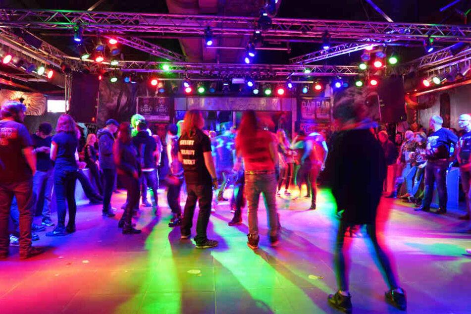 """Stuttgart: """"Farewell Party"""": Metalheads verabschieden die Rockfabrik!"""