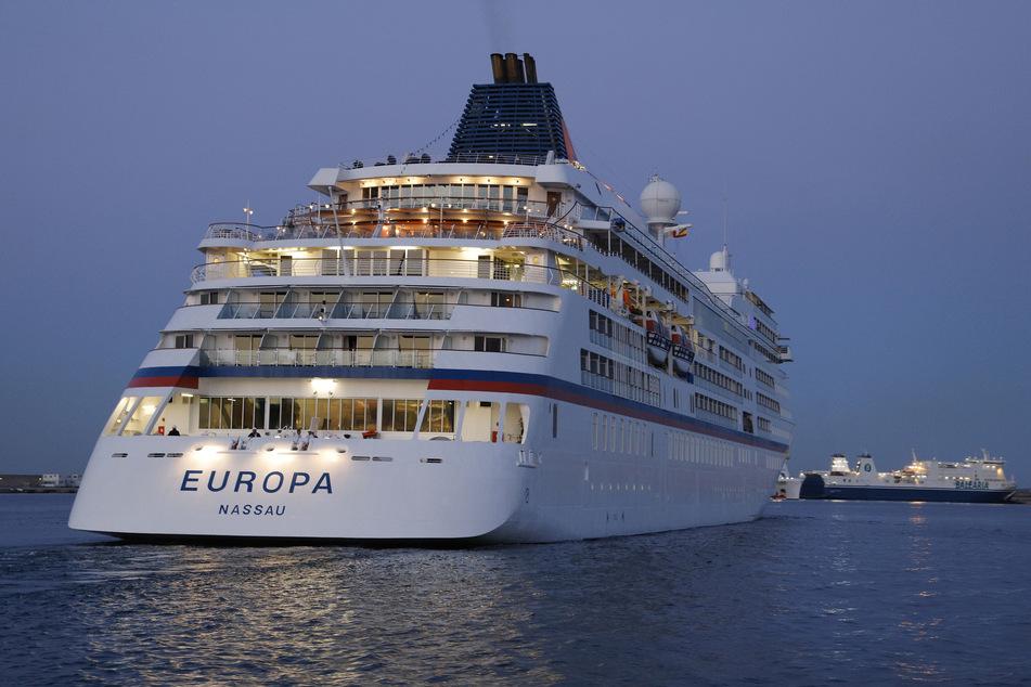 """Das Kreuzfahrtschiff """"Europa"""" wird in Wismar erwartet."""
