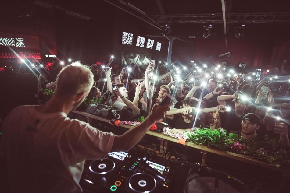 """Der australische DJ """"What so not"""" im Dresdner """"Klub Neu""""."""