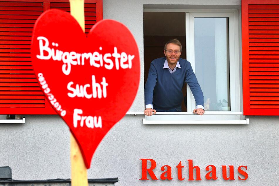 """""""Bürgermeister sucht Frau"""": Gemeinde sucht """"First Lady"""" mit kurioser Anzeige"""