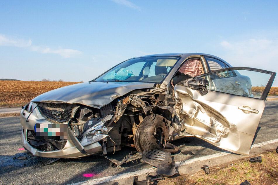 Zwönitz: Schwerer Crash von vier Fahrzeugen mit mehreren Verletzten