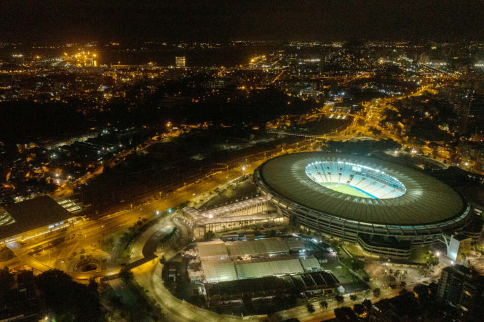 Rio De Janeiro: Luftaufnahme des Maracanã-Stadions und des Feldkrankenhauses für die Behandlung von Covid-19-Patienten.
