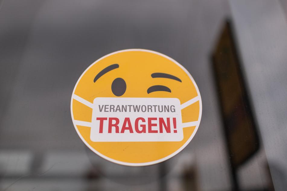 In Dresden und Umgebung gilt bereits seit Monaten eine Maskenpflicht in den Bussen und Bahnen. Diese wurde nun verschärft.
