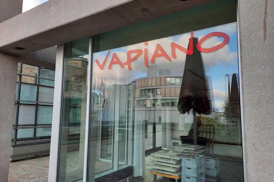 Nach Insolvenz: Kölner Vapiano-Zentrale räumt Rheinauhafen-Restaurant leer!