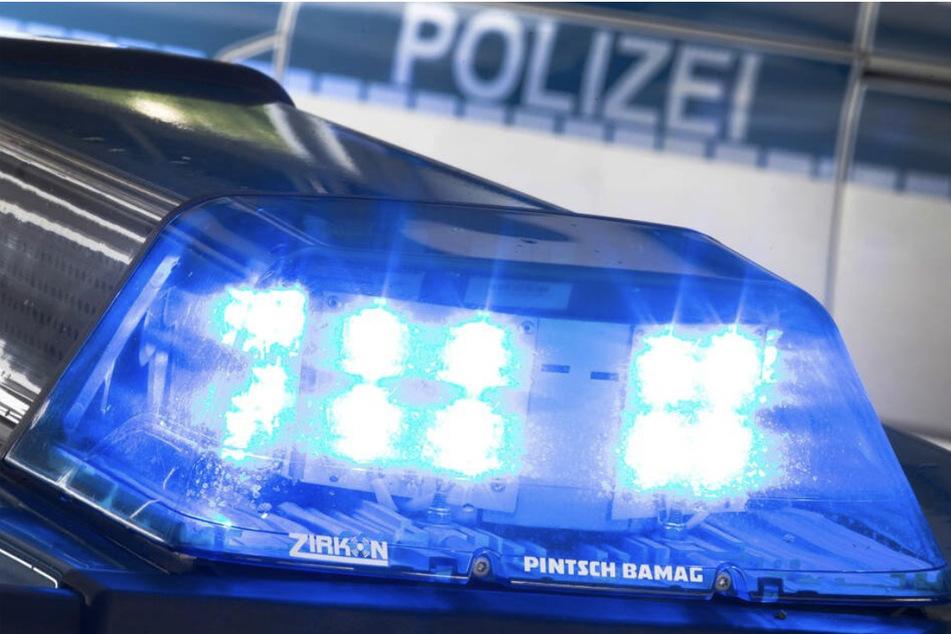Die Polizei ermittelt aktuell zu zwei Raubüberfällen im Raum Leipzig.