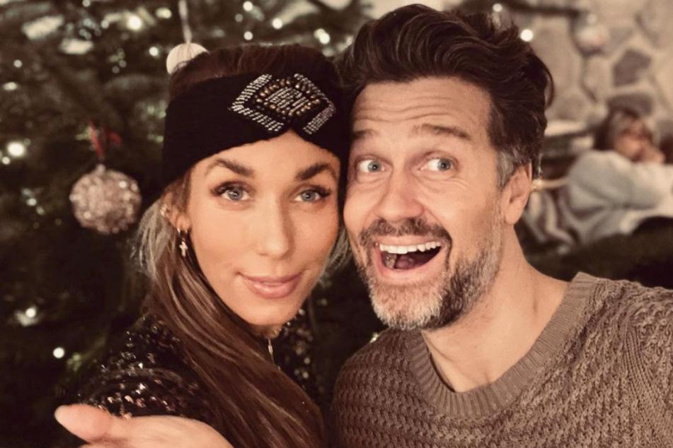Annemarie und Wayne Carpendale mit Weihnachtsgruß: Detail wirft Fragen auf