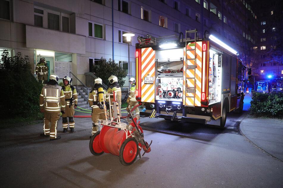 Auf der Budapester Straße in Dresden kam es zu einem Feuer im Treppenhaus.