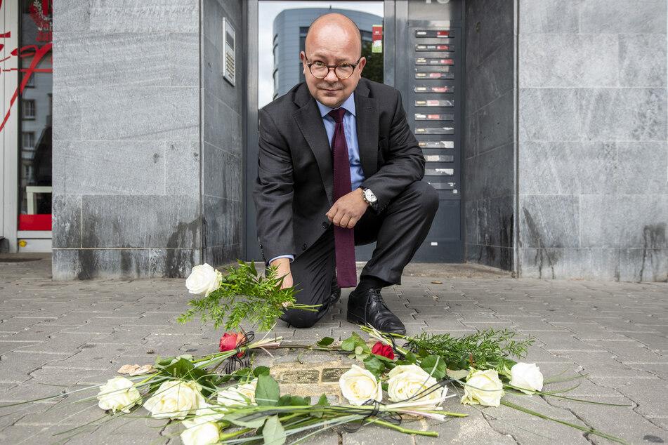 Auch Bundestagsmitglied Frank Müller-Rosentritt (38, FDP) nahm an der Verlegung des ersten Steins teil.