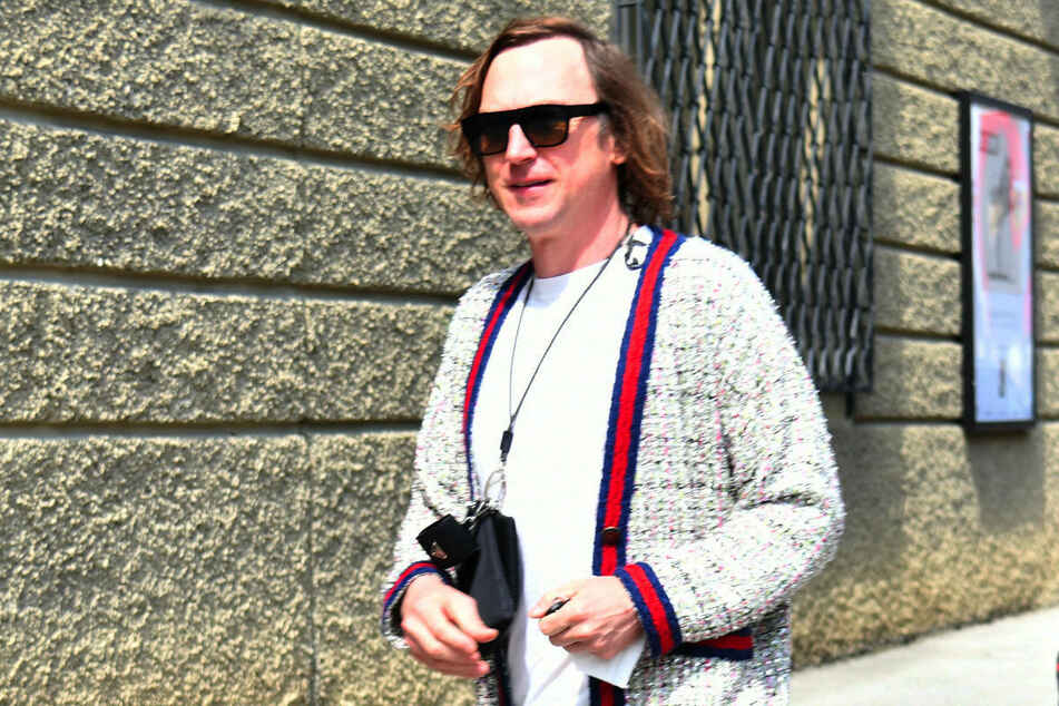 """Lars Eidinger nimmt an der Eröffnung der Salzburger Festspiele teil. In seinem neuen Film """"Nahschuss"""" spielt er einen Stasi-Mitarbeiter, der wegen Spionage zum Tod verurteilt wird."""