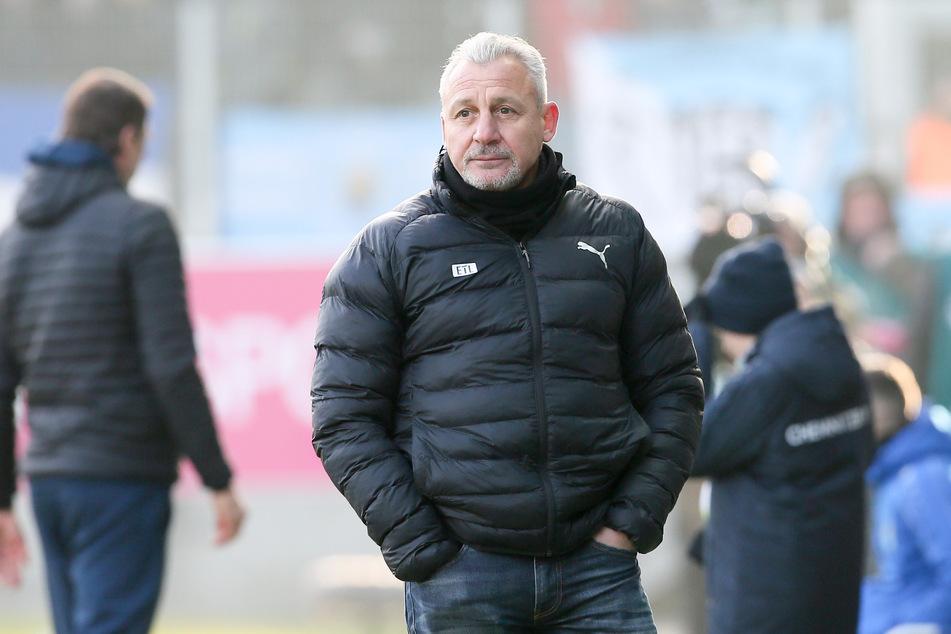 Die Viktoria hat sich am Sonntag mit sofortiger Wirkung von Trainer Pavel Dotchev (55) getrennt.